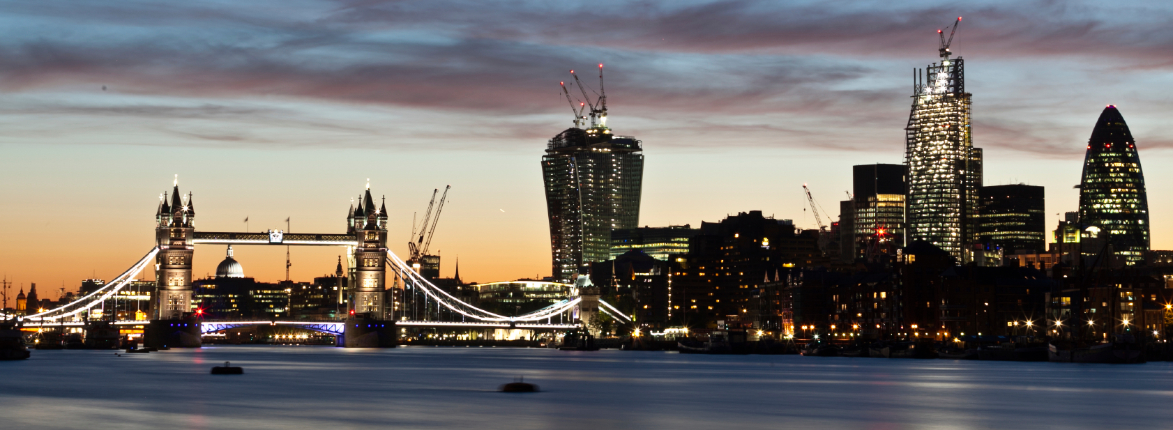 London_bridge_skyline_cristapper_i2